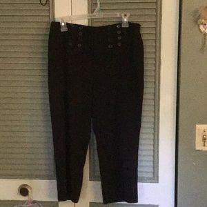 Cute flare legged trouser capris. Size 10p.